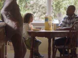 KNXV_Cheerios_Super_Bowl_commercial_2014_20140202204733_320_240
